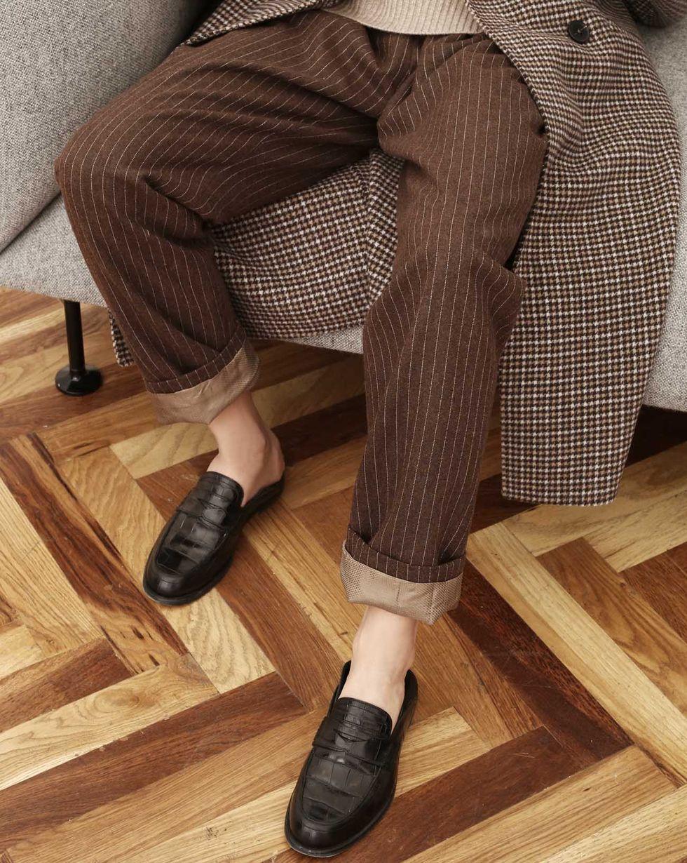 Брюки на кулисе в полоску MБрюки и джинсы<br><br><br>Артикул: 220810522<br>Размер: M<br>Цвет: Коричневый<br>Новинка: НЕТ<br>Наименование en: Stripe drawstring waist trousers