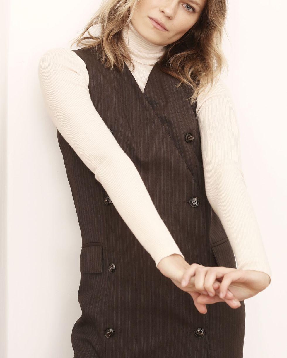 Водолазка тонкой вязки One sizeТрикотаж<br><br><br>Артикул: 84410571<br>Размер: One size<br>Цвет: Молочный<br>Новинка: НЕТ<br>Наименование en: Fine-knit turtleneck sweater