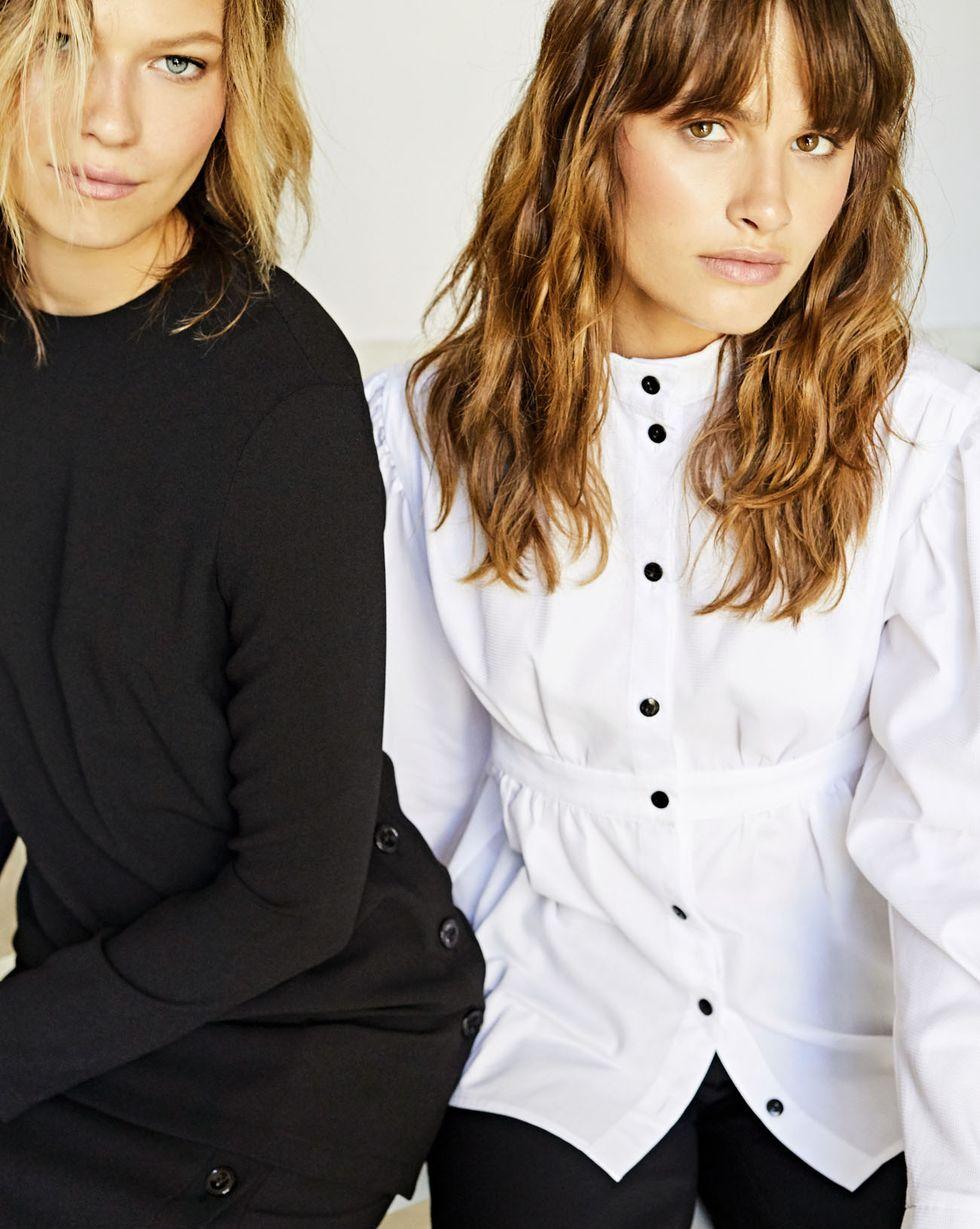 Рубашка с завышенной талией XSРубашки<br><br><br>Артикул: 230010518<br>Размер: XS<br>Цвет: Белый<br>Новинка: НЕТ<br>Наименование en: High neck shirt