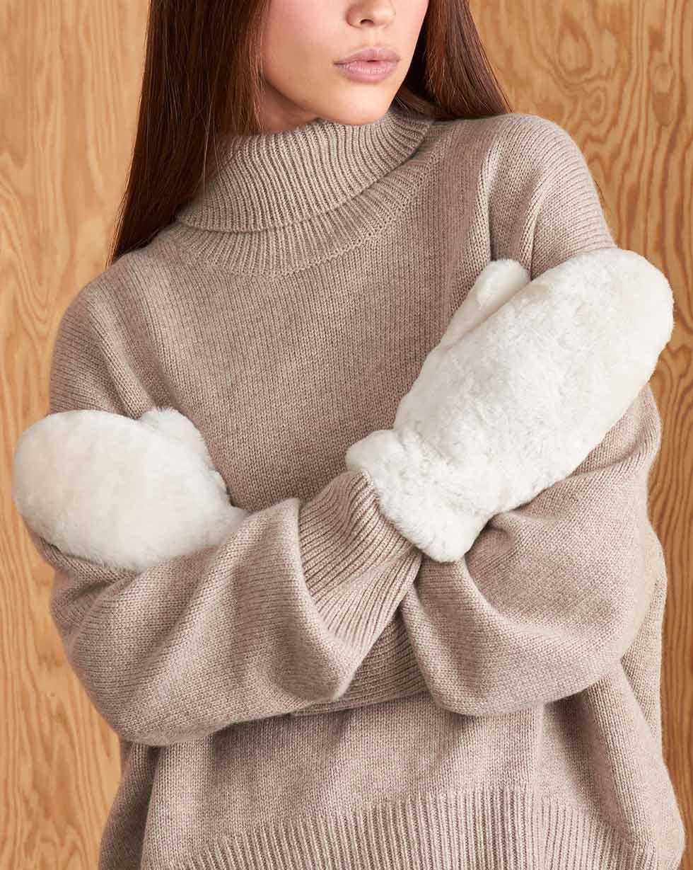 12Storeez Варежки 13151-001 (Белый)