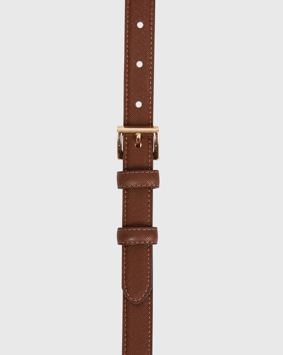 Ремень узкий с квадратной пряжкой MАксессуары<br><br><br>Артикул: 1094510947<br>Размер: M<br>Цвет: Темно-коричневый<br>Новинка: ДА<br>Наименование en: Square buckle narrow leather belt
