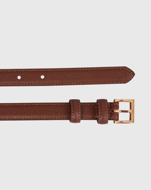 Ремень узкий с квадратной пряжкой MАксессуары<br><br><br>Артикул: 1094510947<br>Размер: M<br>Цвет: Темно-коричневый<br>Новинка: НЕТ<br>Наименование en: Square buckle narrow leather belt