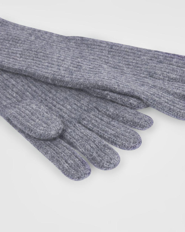 Перчатки One sizeАксессуары<br><br><br>Артикул: 80010533<br>Размер: One size<br>Цвет: Серый<br>Новинка: НЕТ<br>Наименование en: Knit gloves