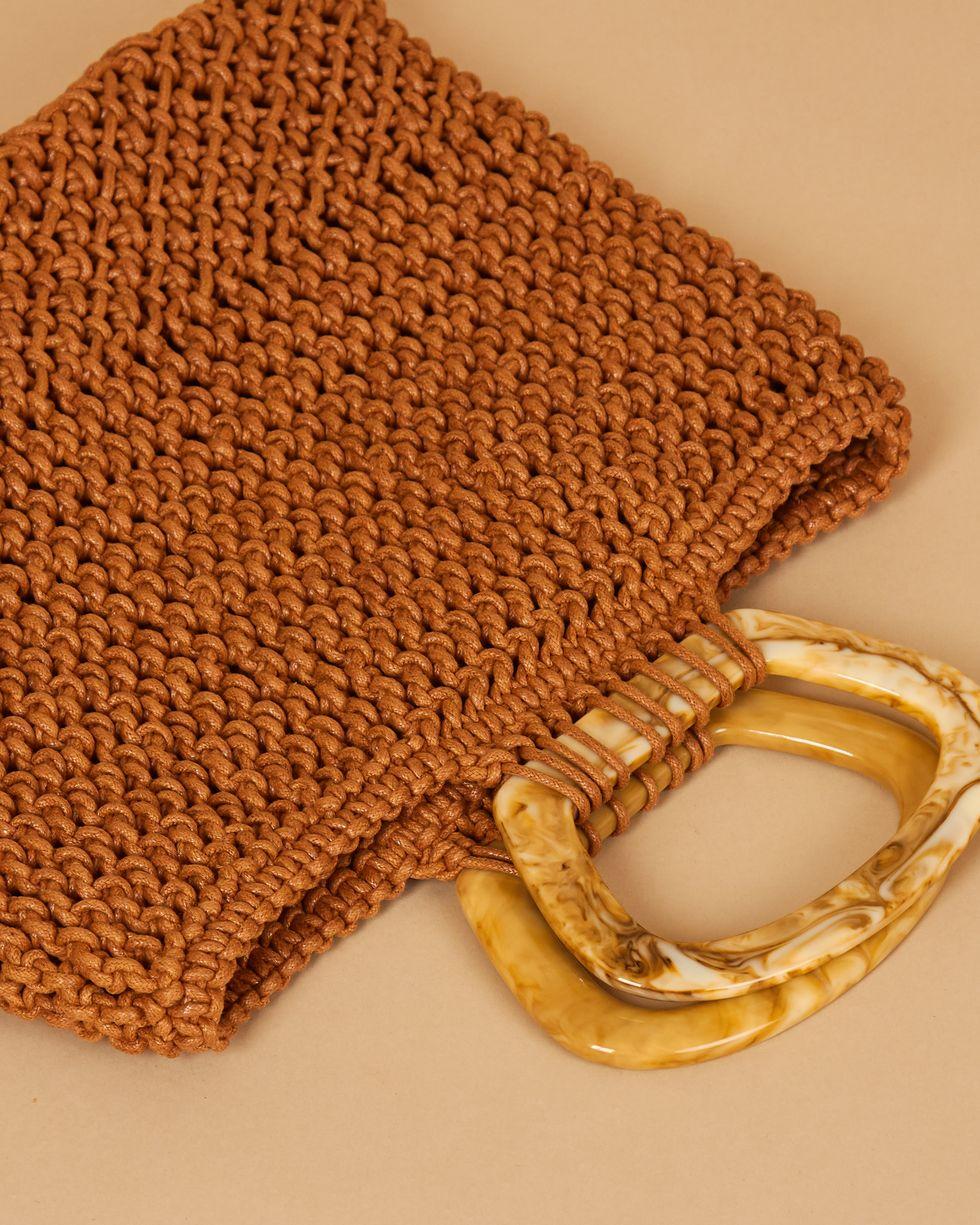 12Storeez Сумка плетеная с роговыми ручками (коралловая) madewell объемная сумка transport с короткими ручками из замши