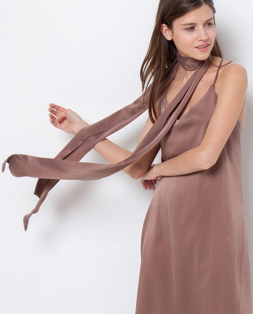 Шарф шелковый One sizeАксессуары<br><br><br>Артикул: 8005564<br>Размер: One size<br>Цвет: Кофейный<br>Новинка: НЕТ<br>Наименование en: Skinny silk scarf