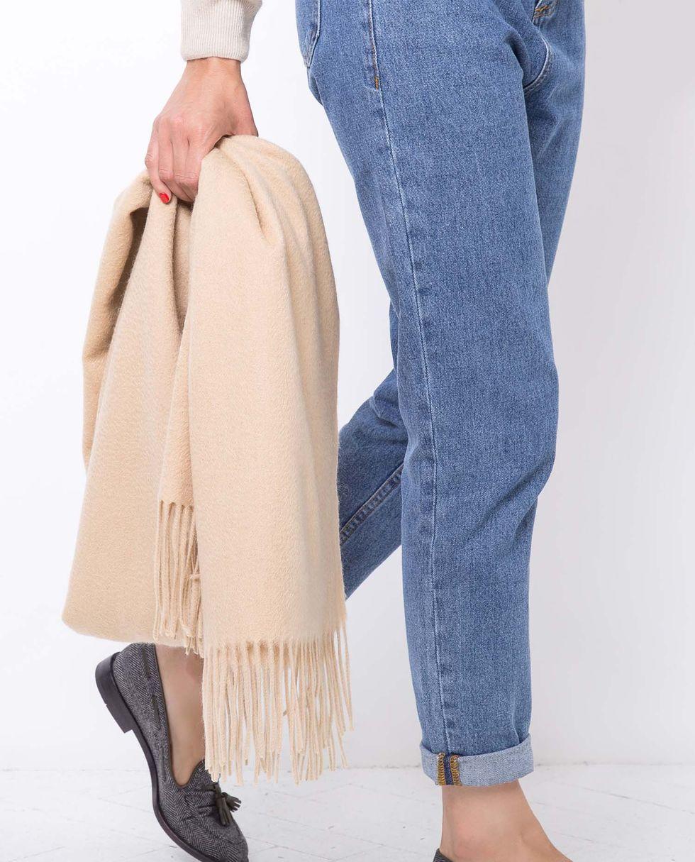 12Storeez Шарф из кашемира, шелка и шерсти (бежевый) valentino платье из шерсти и шелка
