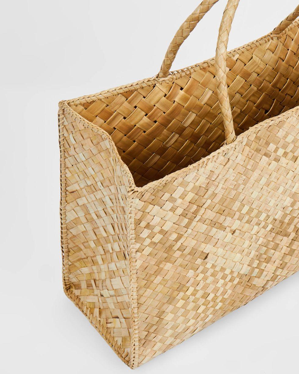 Сумка-шопер макси maxiАксессуары<br><br><br>Артикул: 8009722<br>Размер: maxi<br>Цвет: Натуральный<br>Новинка: НЕТ<br>Наименование en: Maxi shopper bag