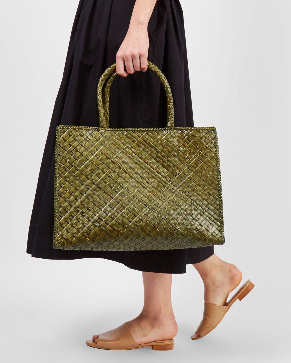 Сумка-шопер миди midiАксессуары<br><br><br>Артикул: 8009801<br>Размер: midi<br>Цвет: Зеленый<br>Новинка: НЕТ<br>Наименование en: Medium shopper bag