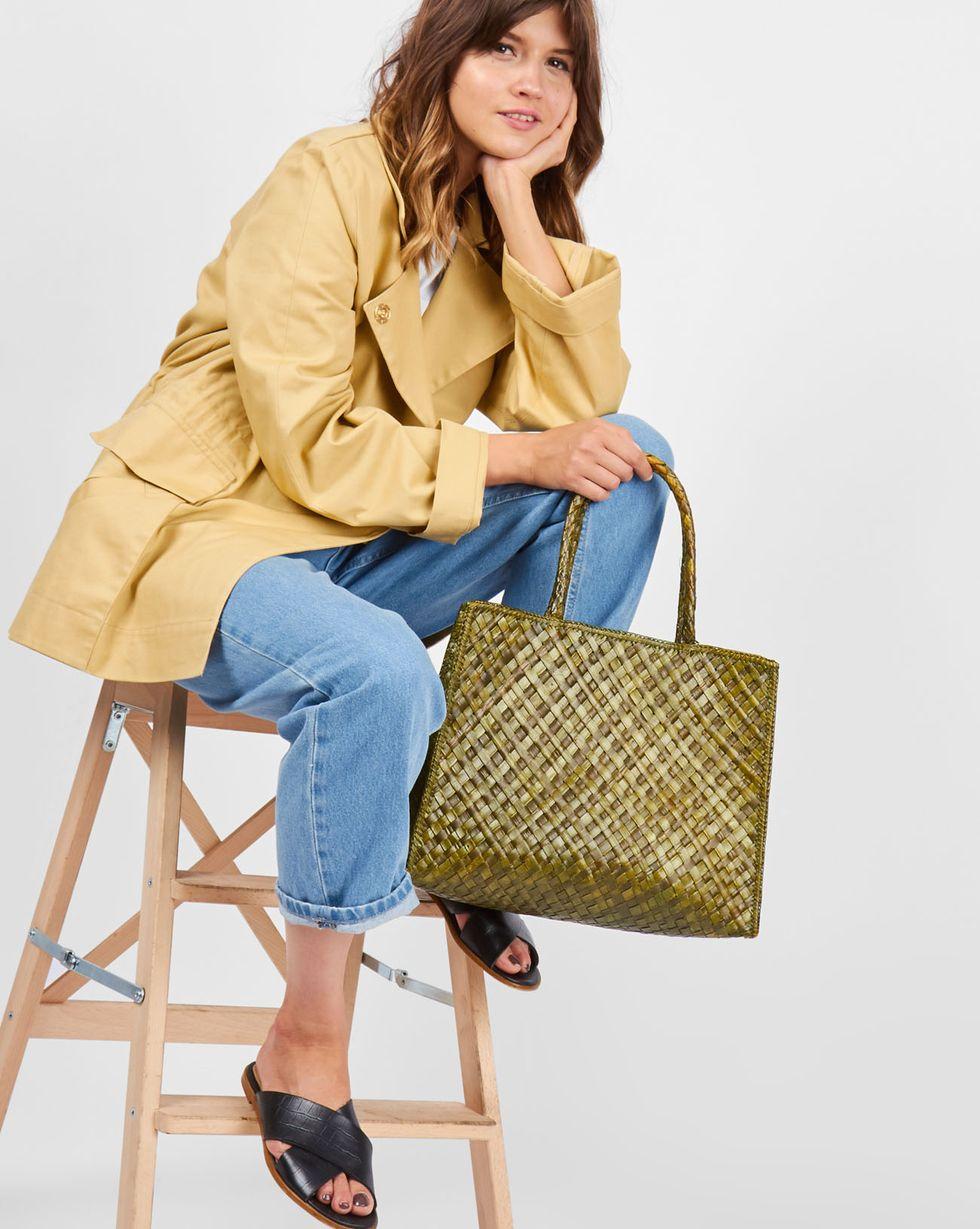 Сумка-шопер мини miniАксессуары<br><br><br>Артикул: 8009802<br>Размер: mini<br>Цвет: Зеленый<br>Новинка: НЕТ<br>Наименование en: Mini shopper bag