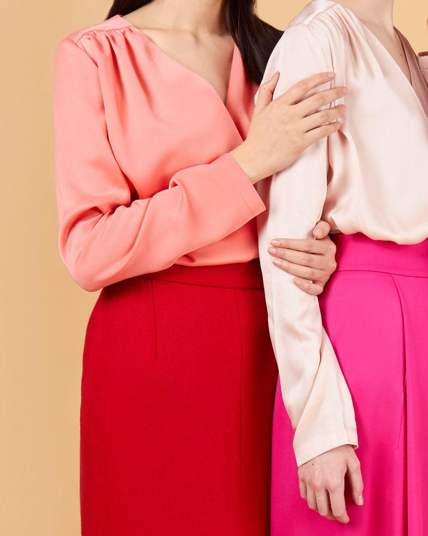 12Storeez Блуза объемная с запахом (розовый) объемная вышивка с бисером