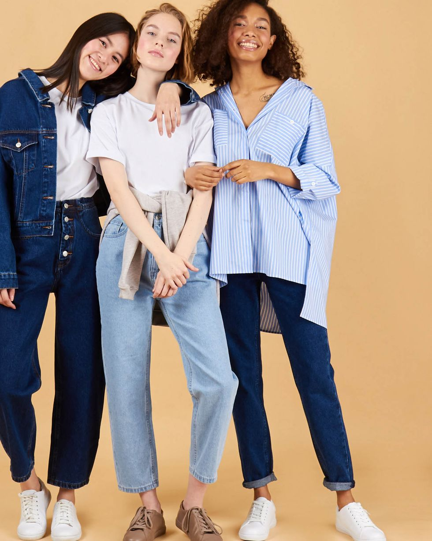 Джинсы свободные с высокой посадкой LБрюки<br><br><br>Артикул: 220812367<br>Размер: L<br>Цвет: Синий<br>Новинка: НЕТ<br>Наименование en: High waist relaxed fit jeans