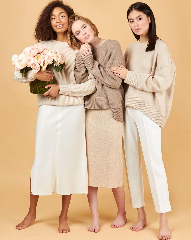 12Storeez Платье с коротким рукавом в рубчик (молочный) 12storeez джемпер с пуговицами в рубчик молочный
