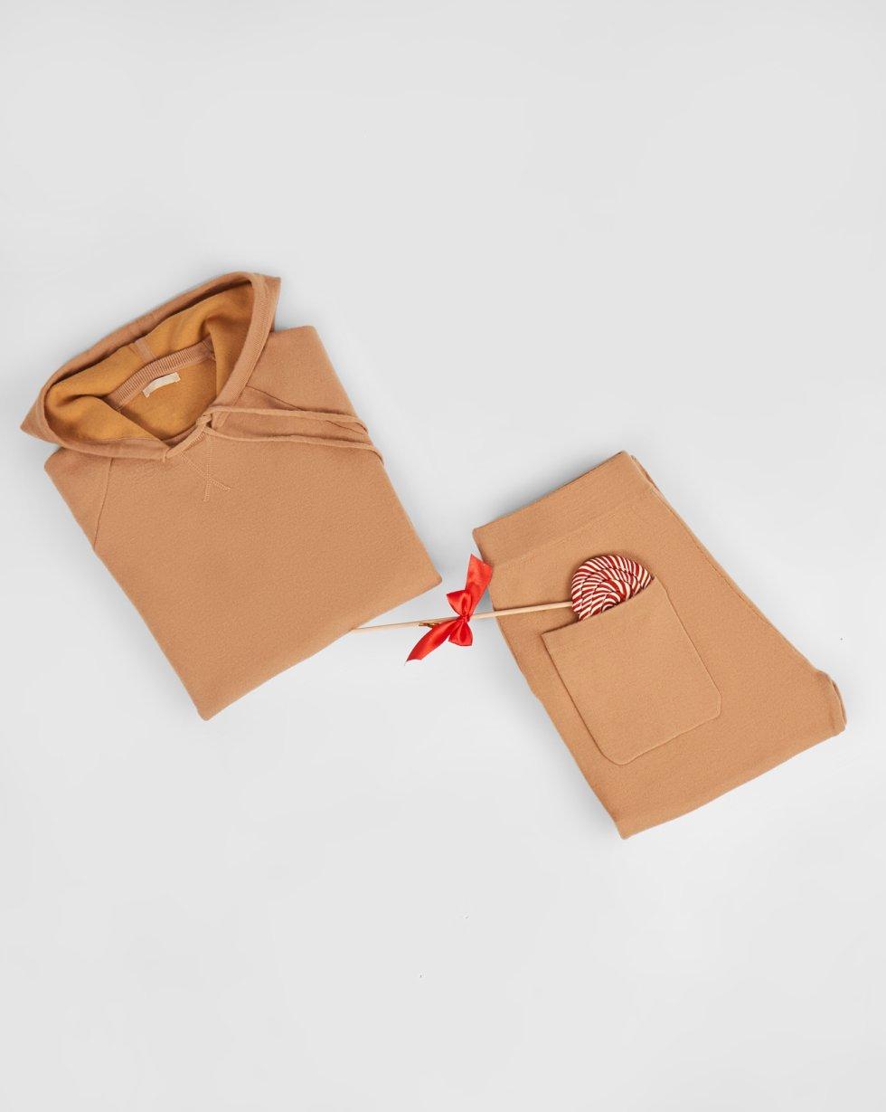 Костюм: толстовка с капюшоном и брюки MКомплекты<br><br><br>Артикул: 7010550<br>Размер: M<br>Цвет: Кэмел<br>Новинка: НЕТ<br>Наименование en: Hoodie and sweatpants two-piece set