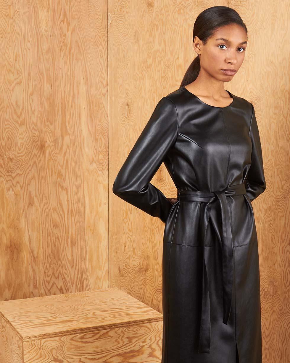 Платье из эко-кожи S фото