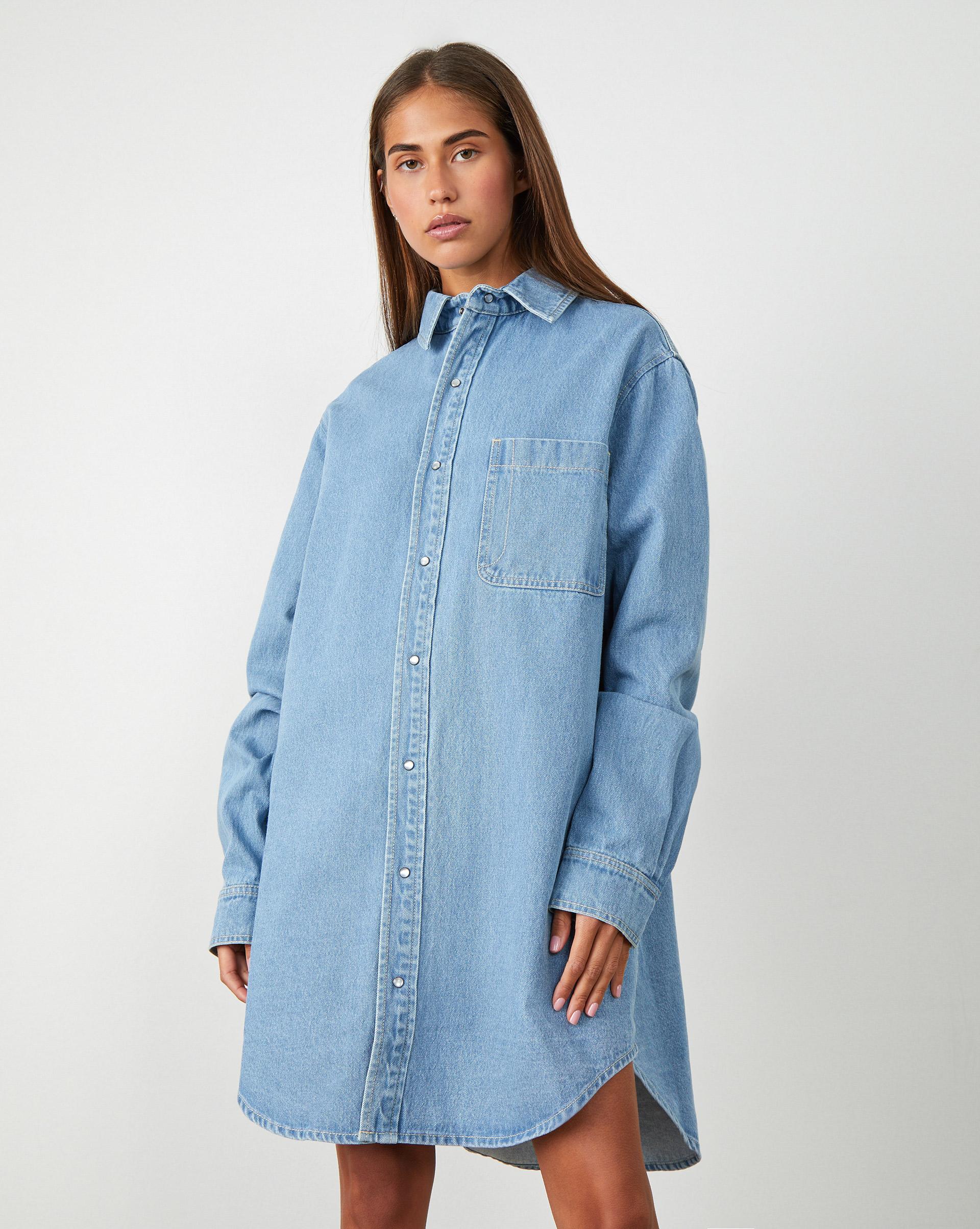 12Storeez Джинсовое платье-рубашка платье рубашка la redoute джинсовое с поясом m синий