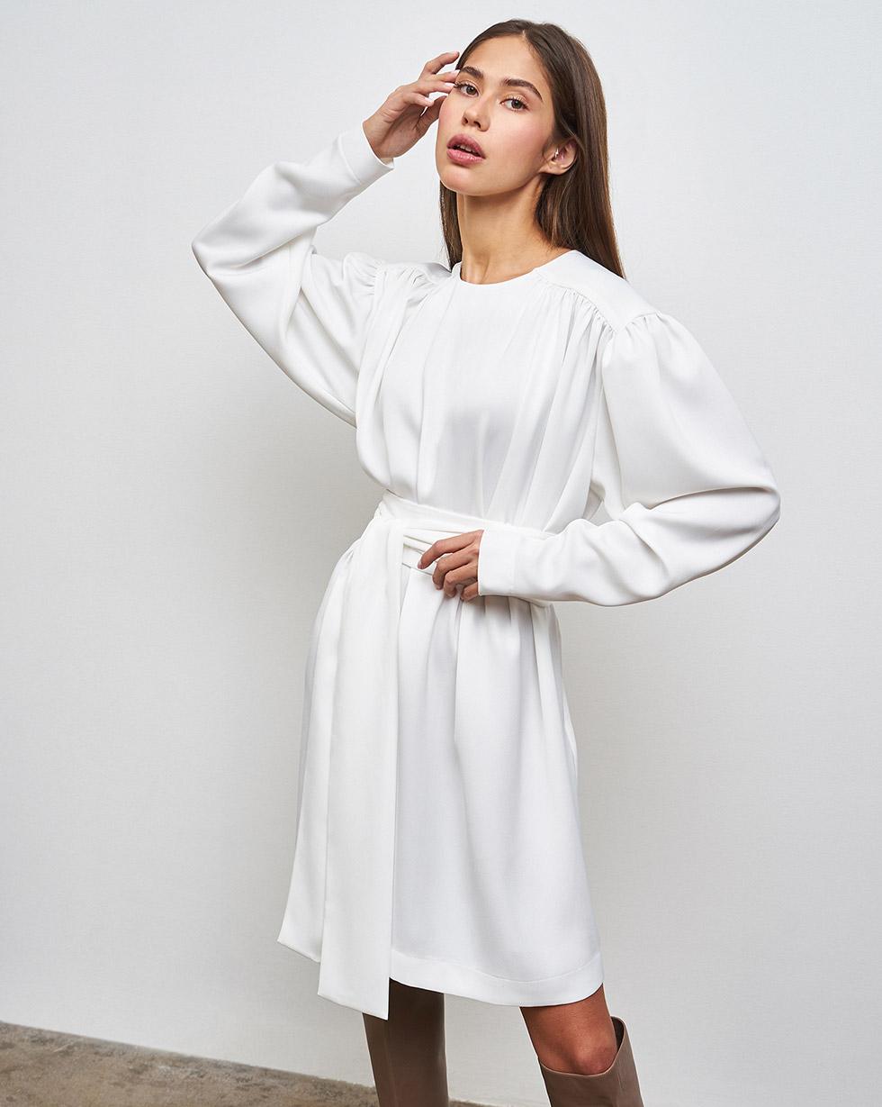Платье мини с объемными плечами M фото