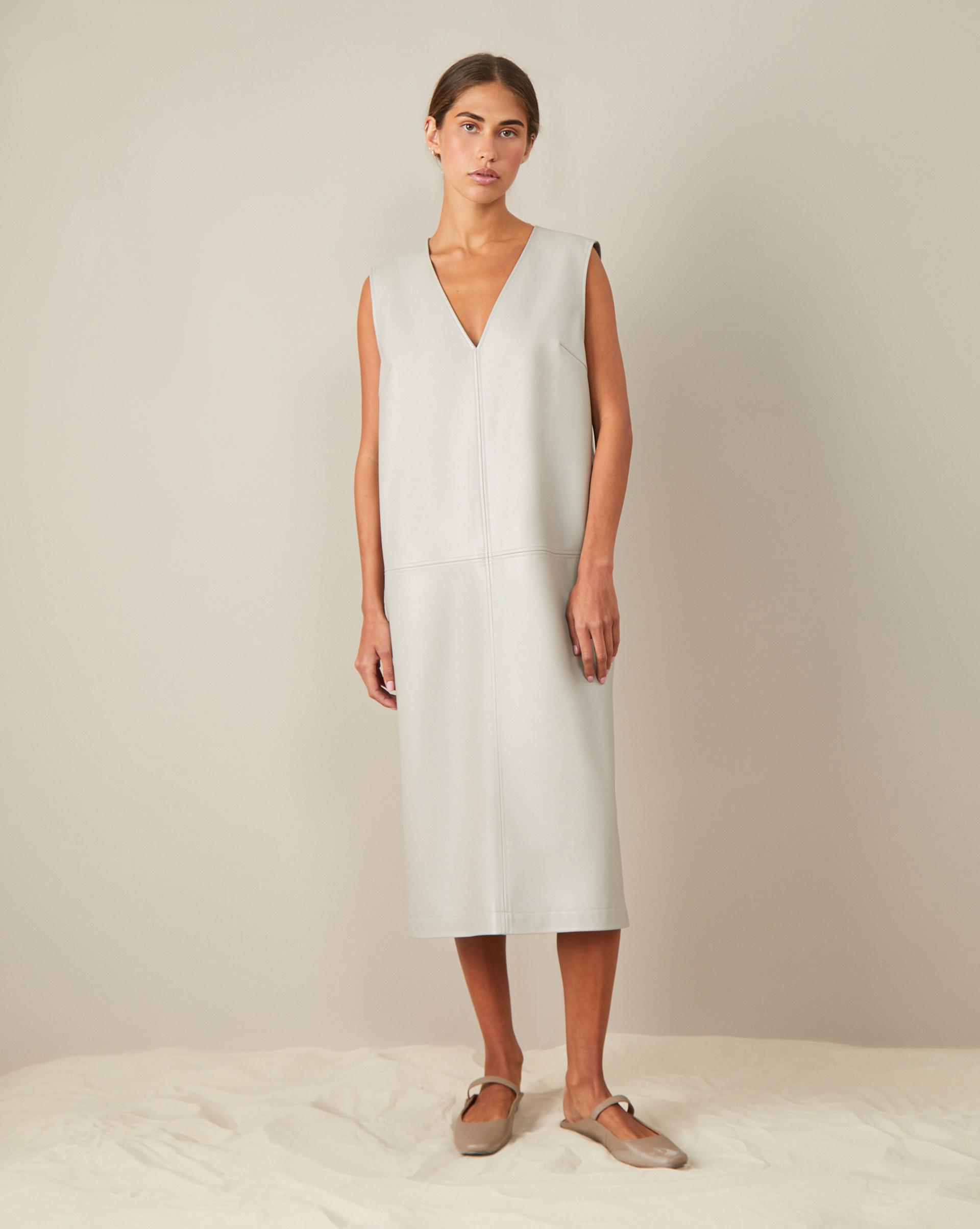 12Storeez Платье из эко-кожи платье goddiva goddiva go014ewavat1