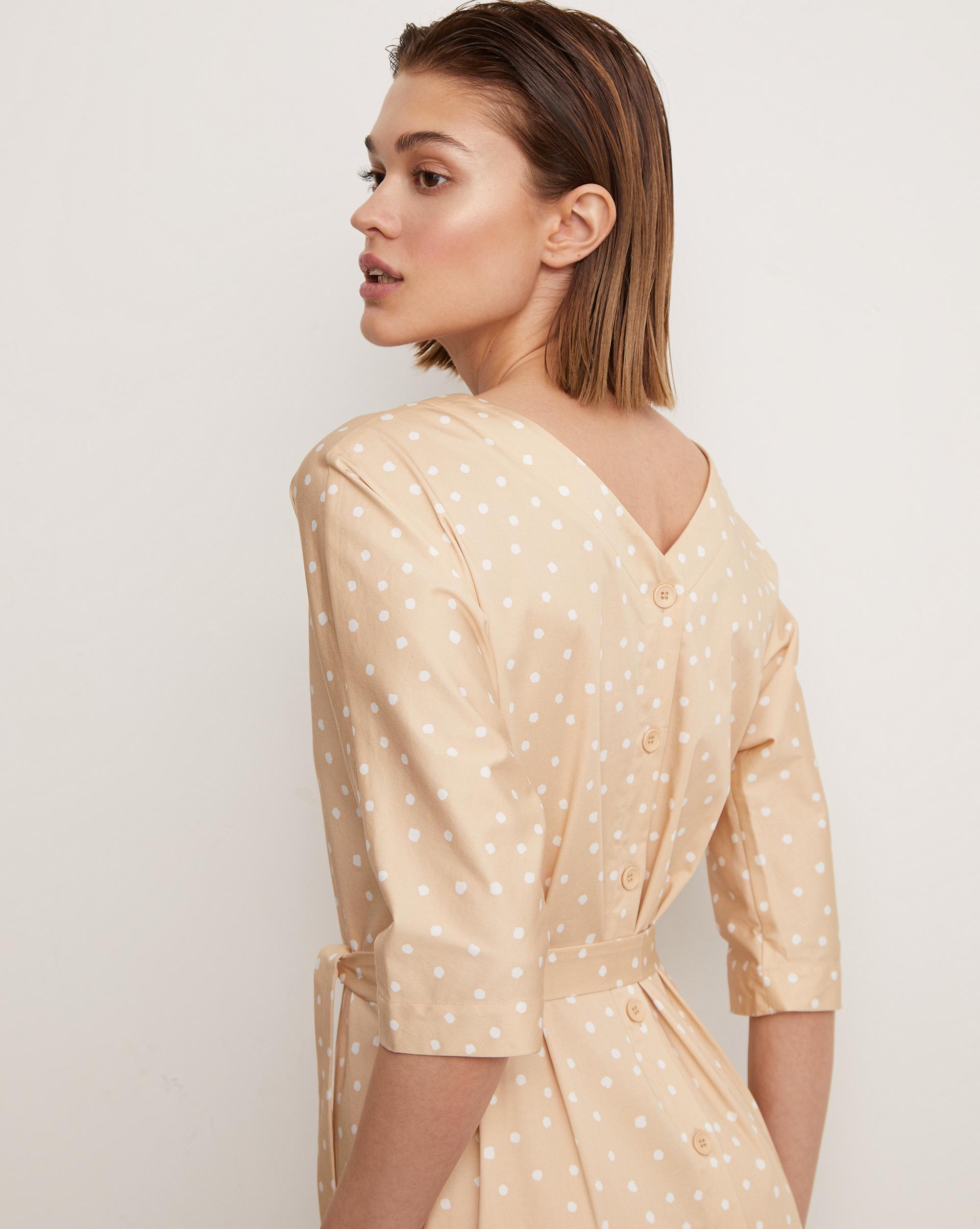 12⠀STOREEZ Платье миди с вырезом и пуговицами сзади