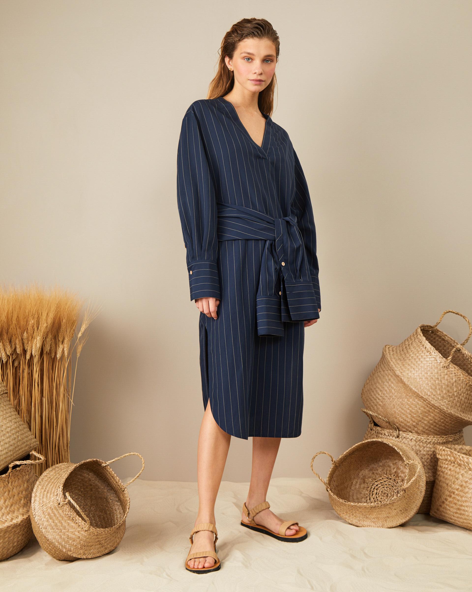 цена 12Storeez Платье-рубашка с поясом онлайн в 2017 году