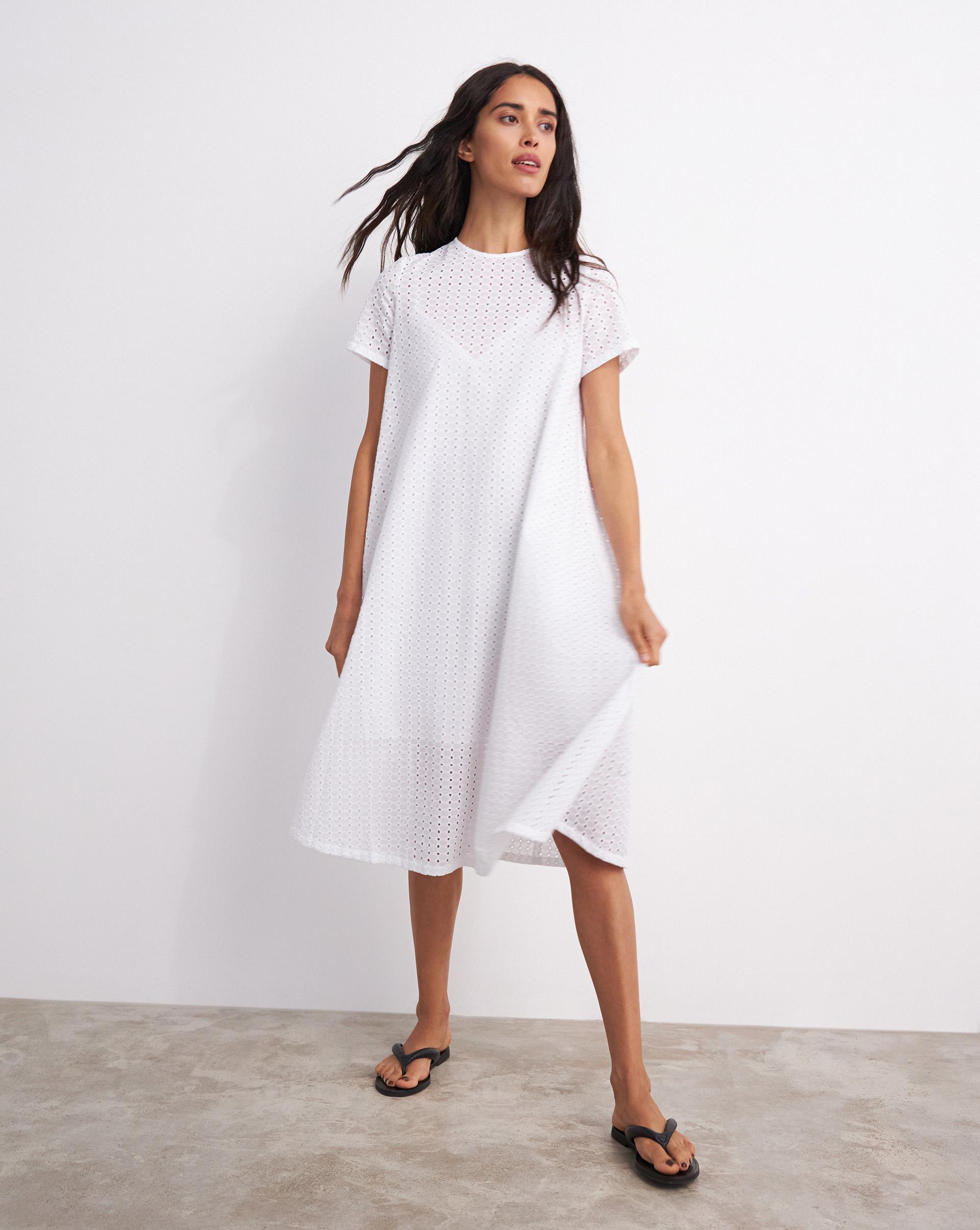 12⠀STOREEZ Платье-футболка из шитья