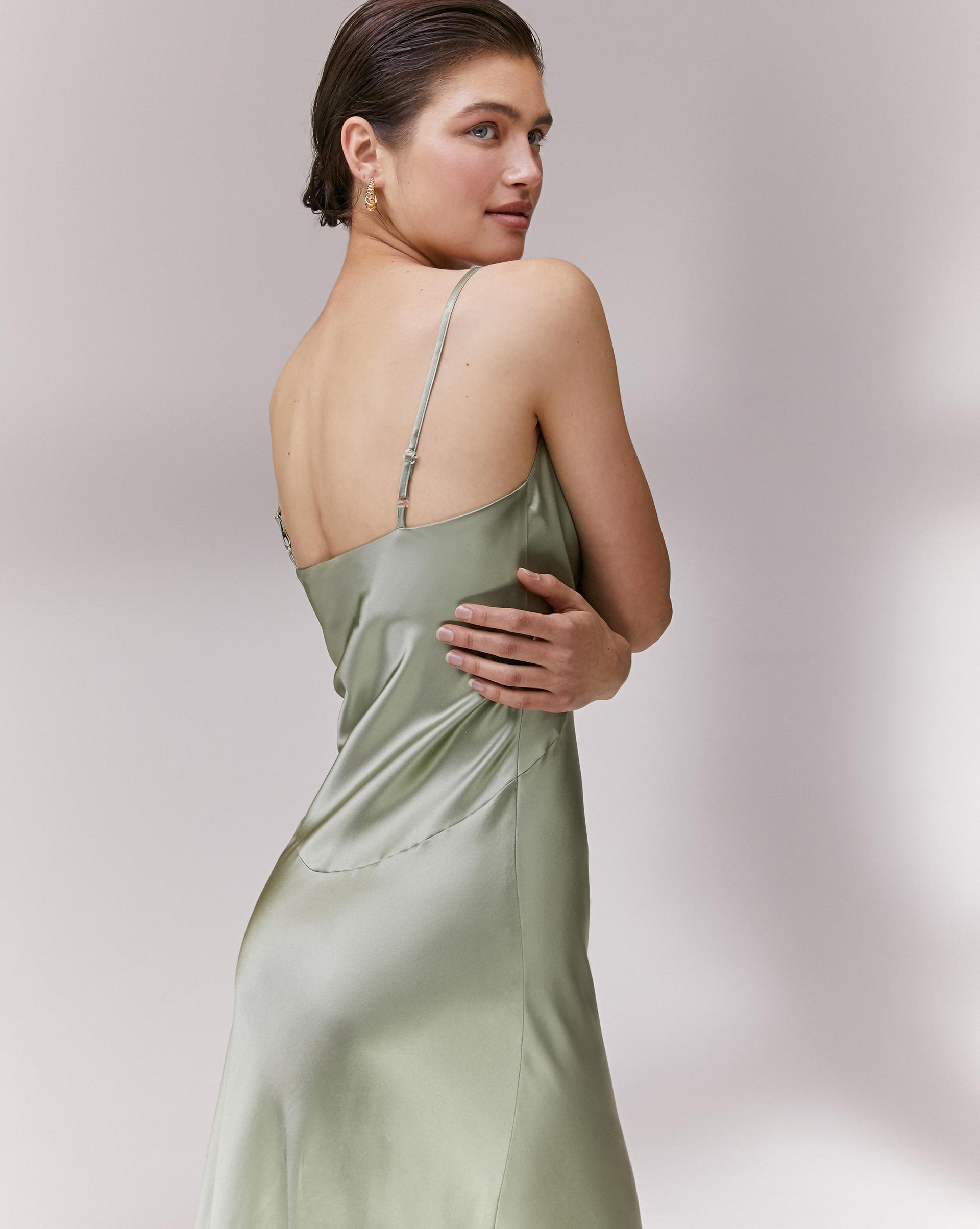 12⠀STOREEZ Шелковое платье-комбинация