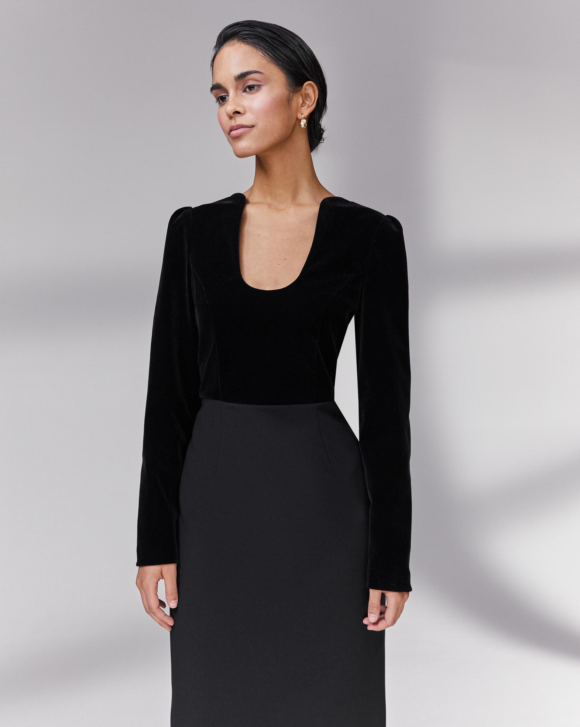12⠀STOREEZ Платье с фигурным вырезом
