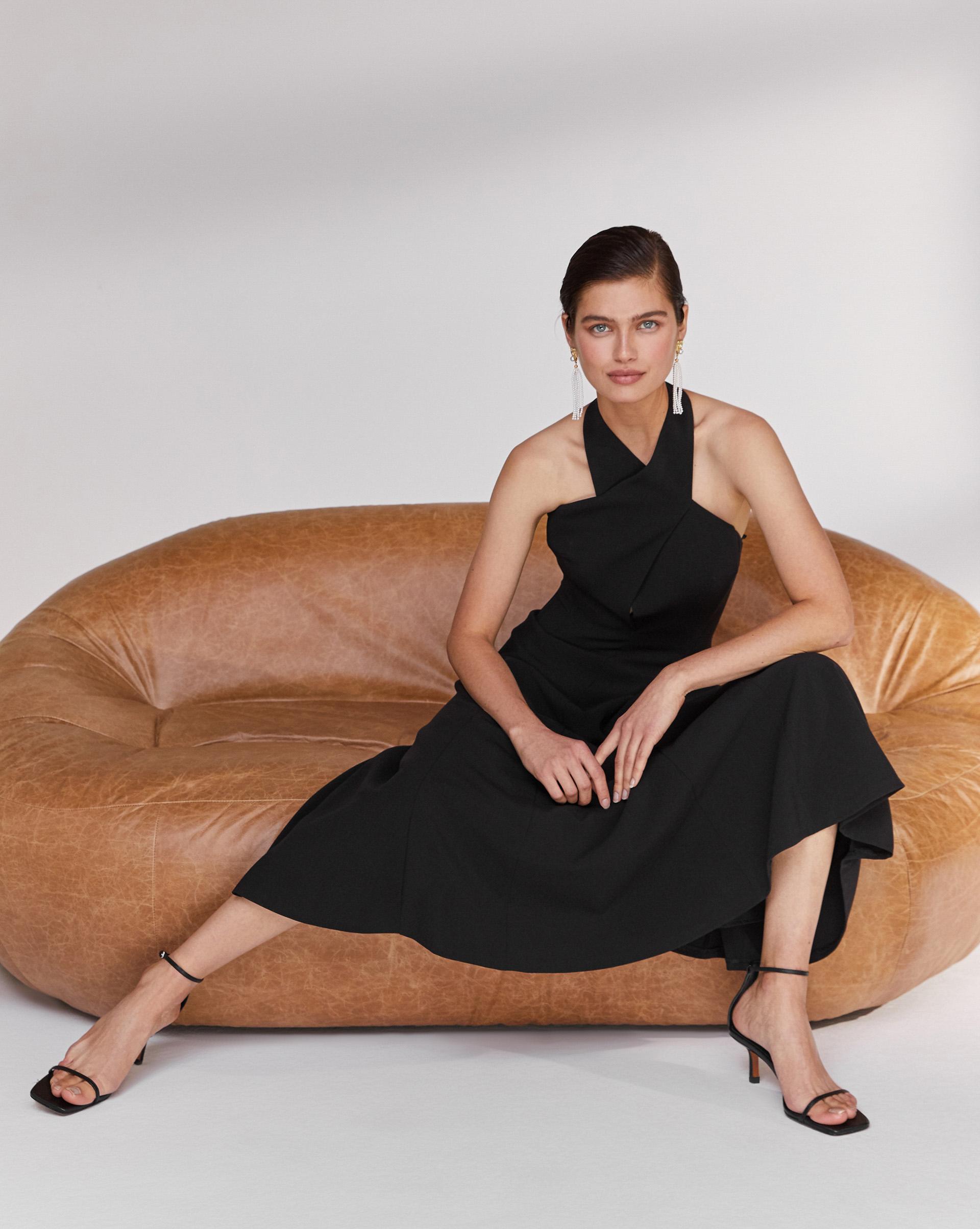 12⠀STOREEZ Платье с воротником «халтер»