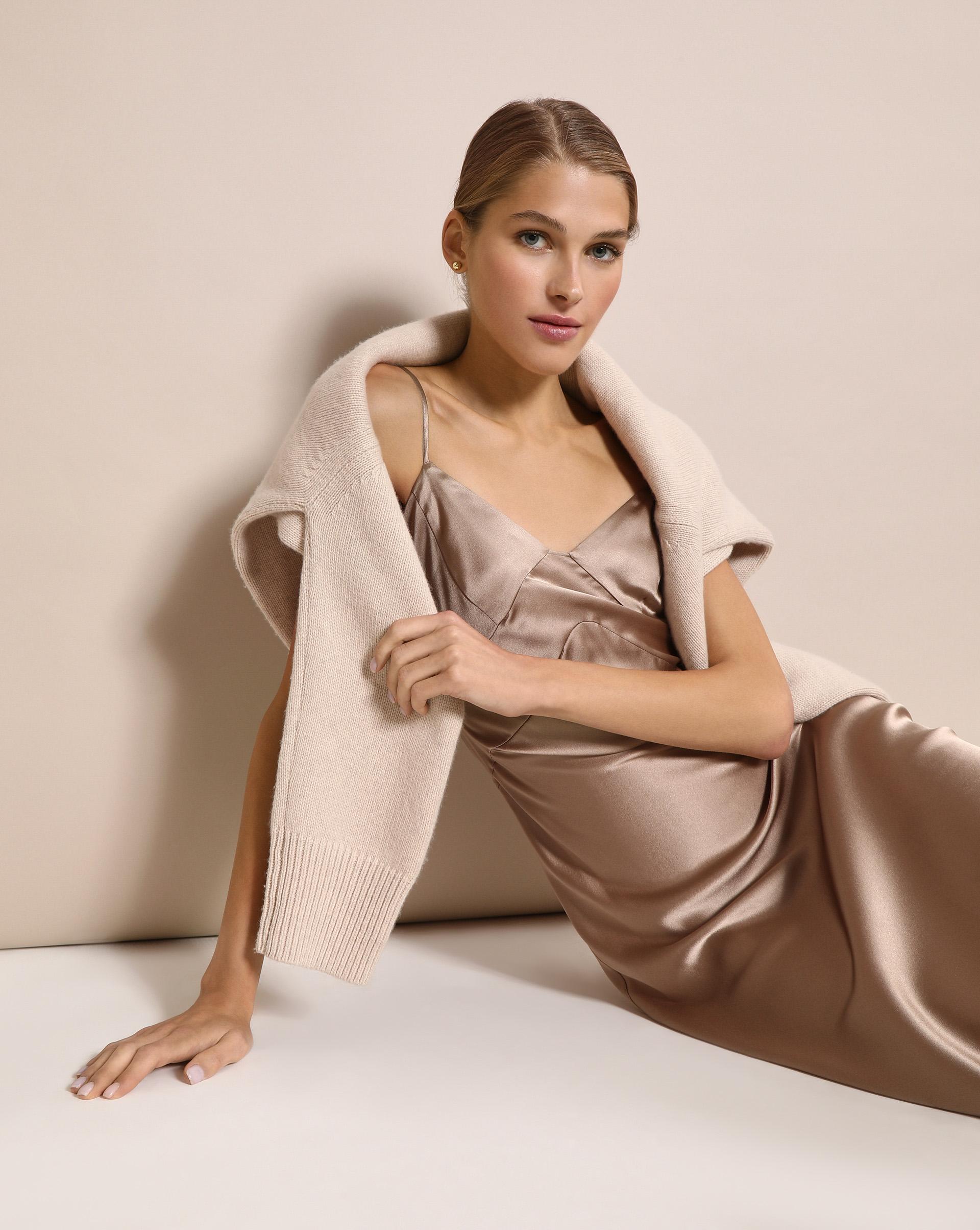 хертель л жакеты пальто куртки парки кардиганы шьем сами 1 выкройка 10 моделей 12⠀STOREEZ Платье комбинация из шелка