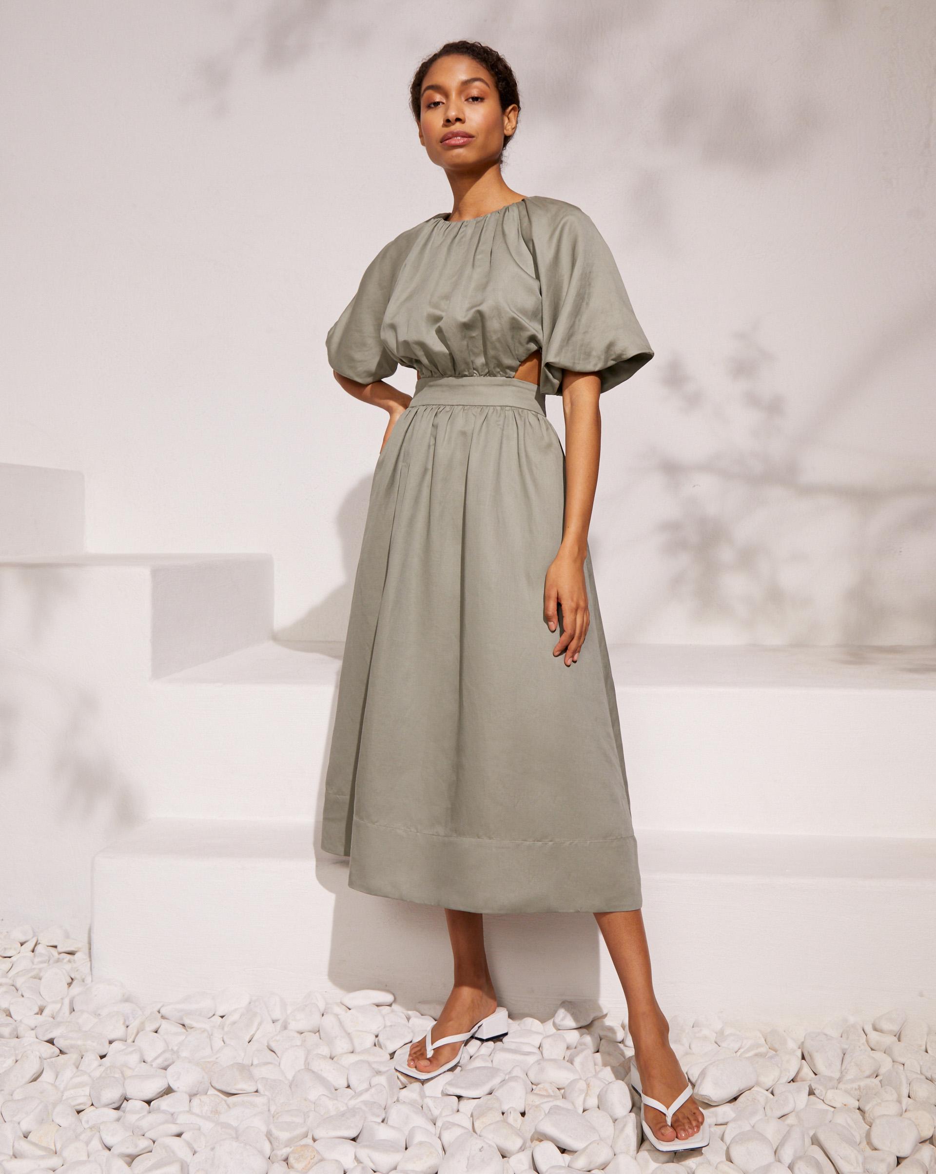 12⠀STOREEZ Платье с объемными рукавами