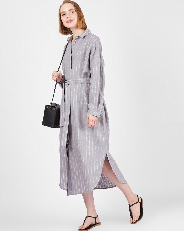 12Storeez Платье-рубашка на поясе изо льна (серый) цена и фото