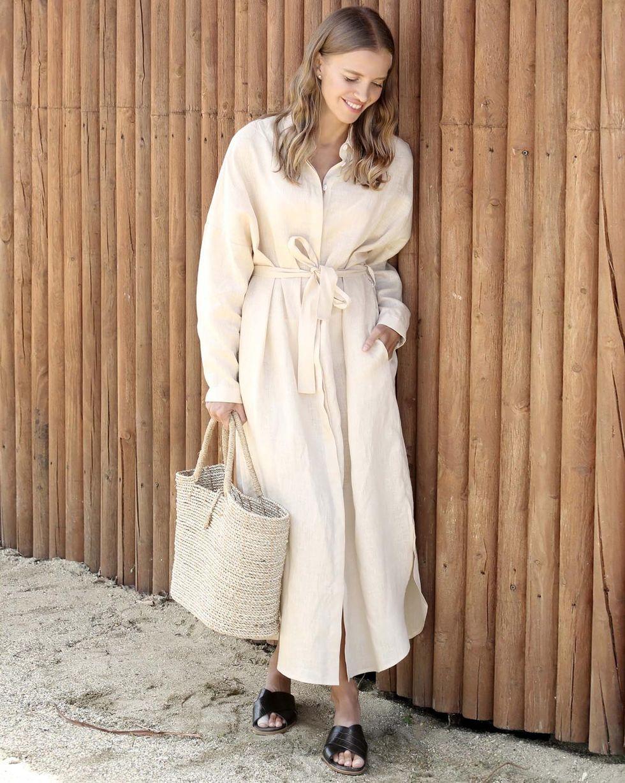 Платье-рубашка на поясе изо льна One sizeПлатья<br><br><br>Артикул: 82910252<br>Размер: One size<br>Цвет: Молочный<br>Новинка: НЕТ<br>Наименование en: Belted shirt dress