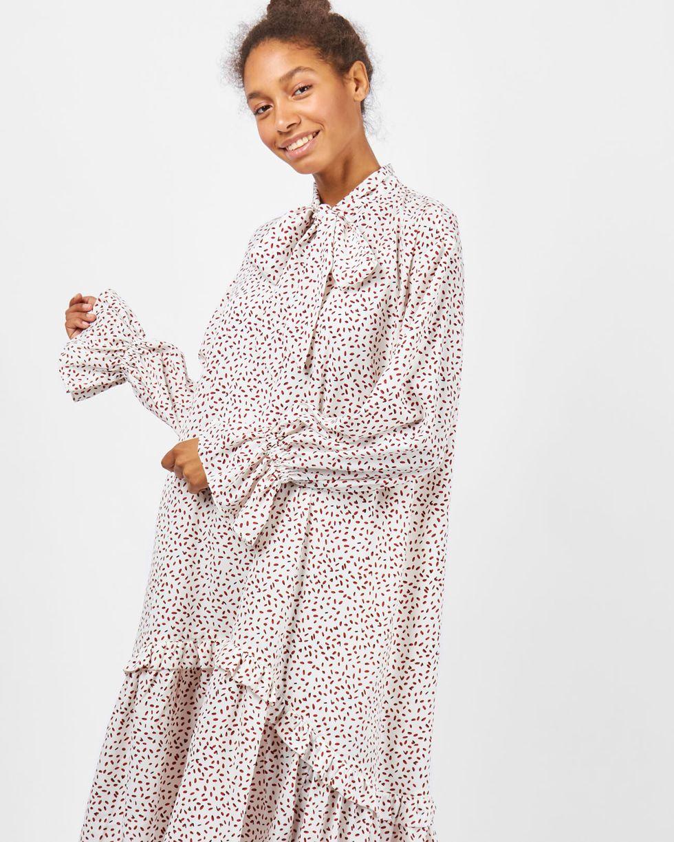 Платье в точку с рюшами One sizeПлатья<br><br><br>Артикул: 82910461<br>Размер: One size<br>Цвет: Молочный<br>Новинка: НЕТ<br>Наименование en: Frill detail midi dress