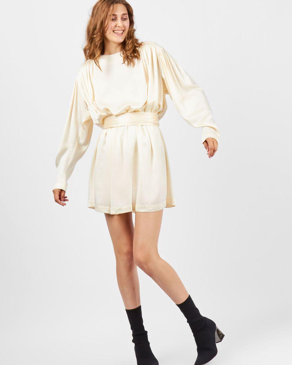 Платье мини с объемными плечами SПлатья<br><br><br>Артикул: 82910613<br>Размер: S<br>Цвет: Молочный<br>Новинка: НЕТ<br>Наименование en: Long sleeve mini dress