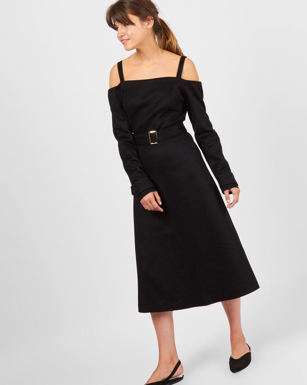 Платье миди с открытыми плечами MПлатья<br><br><br>Артикул: 82910863<br>Размер: M<br>Цвет: Черный<br>Новинка: НЕТ<br>Наименование en: Open shoulder cashmere midi dress