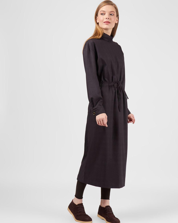 Платье миди со стойкой XSПлатья<br><br><br>Артикул: 82911653<br>Размер: XS<br>Цвет: Темно-коричневый<br>Новинка: НЕТ<br>Наименование en: High-neck drawstring waist dress