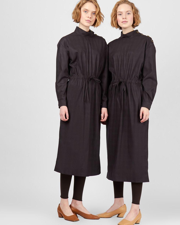 Платье миди со стойкой M