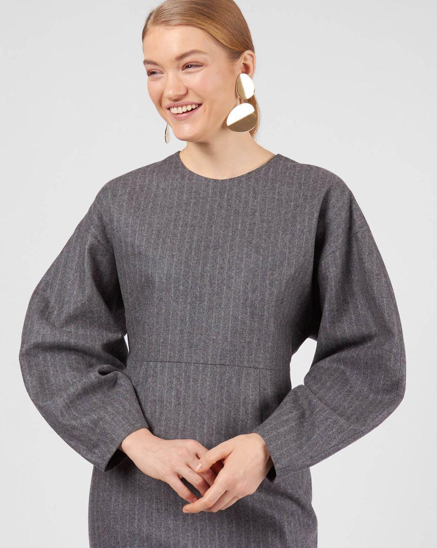 Платье миди из плотной шерсти MПлатья<br><br><br>Артикул: 82911856<br>Размер: M<br>Цвет: Серый<br>Новинка: НЕТ<br>Наименование en: Wool blend midi dress