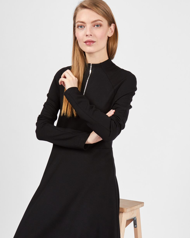 Платье с воротником-стойкой на молнии XSПлатья<br><br><br>Артикул: 82911891<br>Размер: XS<br>Цвет: Черный<br>Новинка: НЕТ<br>Наименование en: High neck zip dress