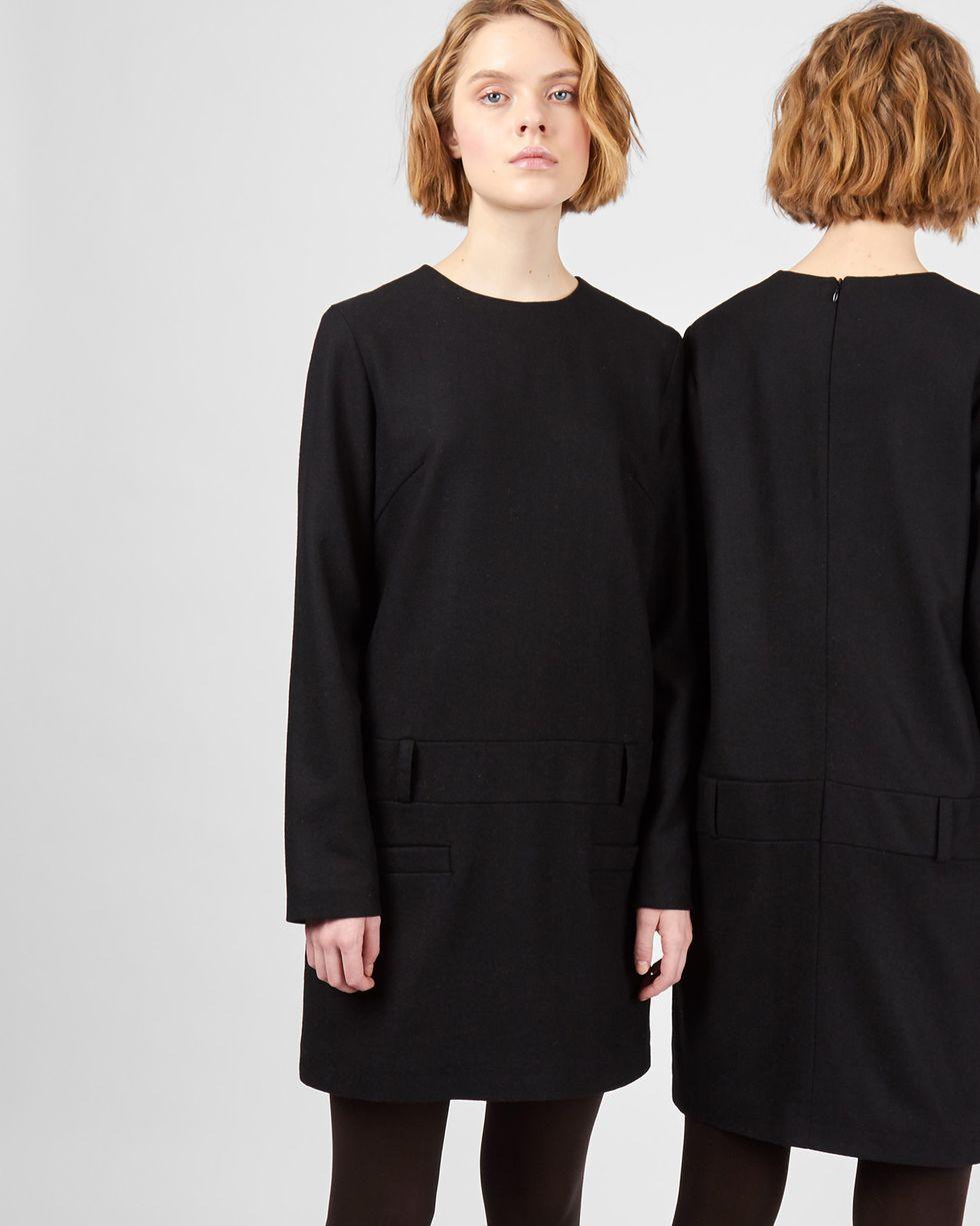 Платье мини с заниженной талией MПлатья<br><br><br>Артикул: 82912039<br>Размер: M<br>Цвет: Графит<br>Новинка: ДА<br>Наименование en: Drop waist wool dress