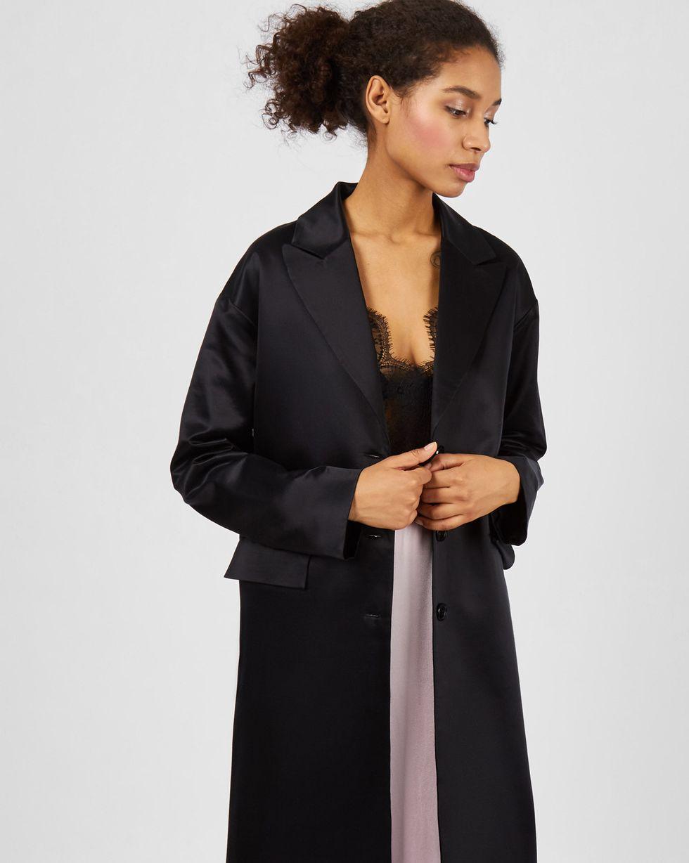 Платье-пиджак свободного силуэта MПлатья<br><br><br>Артикул: 82913302<br>Размер: M<br>Цвет: Черный<br>Новинка: ДА<br>Наименование en: Loose cut coat dress