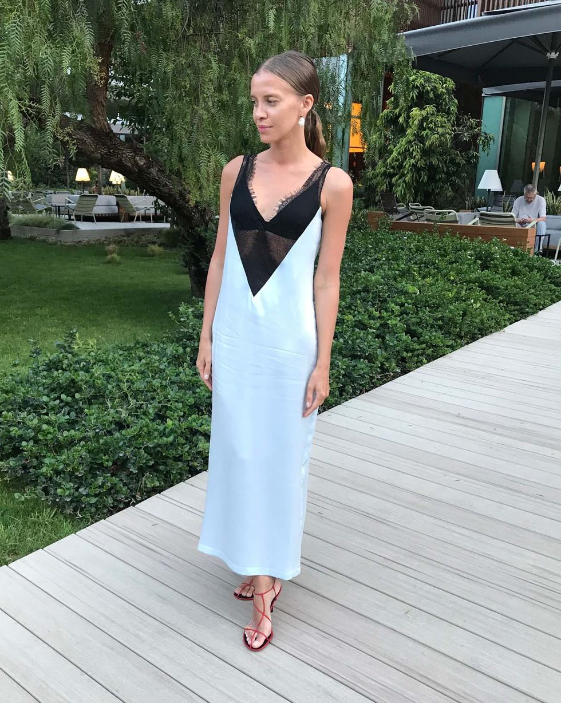 12Storeez Платье-комбинация с кружевом (голубой) юбочка с контрастным кружевом