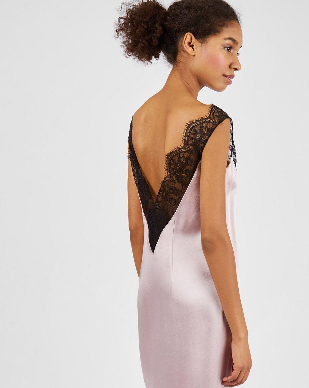 Платье-комбинация с кружевом LПлатья<br><br><br>Артикул: 82913745<br>Размер: L<br>Цвет: Розовый<br>Новинка: НЕТ<br>Наименование en: Lace detail slip dress