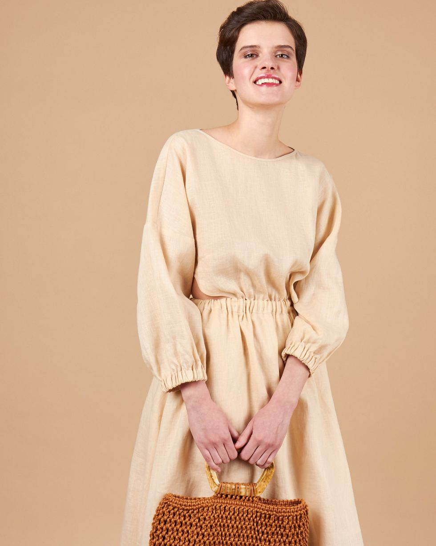 Платье изо льна на резинке SПлатья<br><br><br>Артикул: 82914003<br>Размер: S<br>Цвет: Молочный<br>Новинка: НЕТ<br>Наименование en: Drawstring waist linen dress