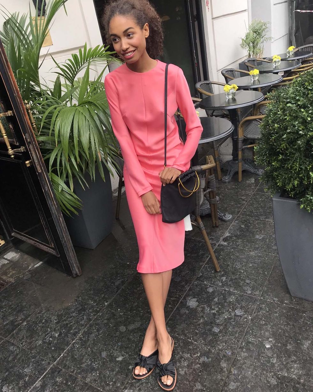 12Storeez Платье миди с молниями на рукавах (розовый)