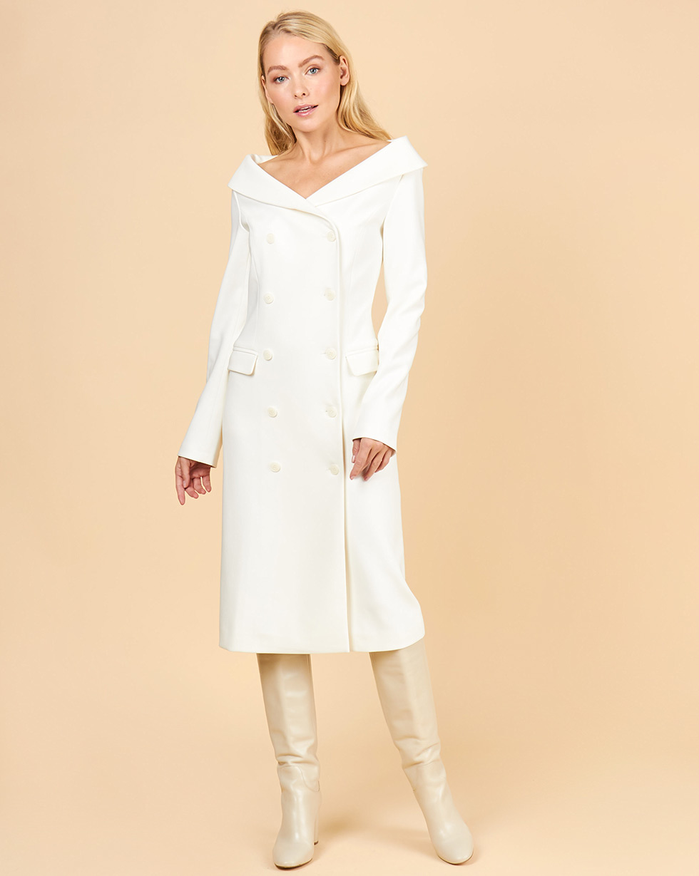 цена 12Storeez Платье-пиджак с открытыми плечами (белый) онлайн в 2017 году