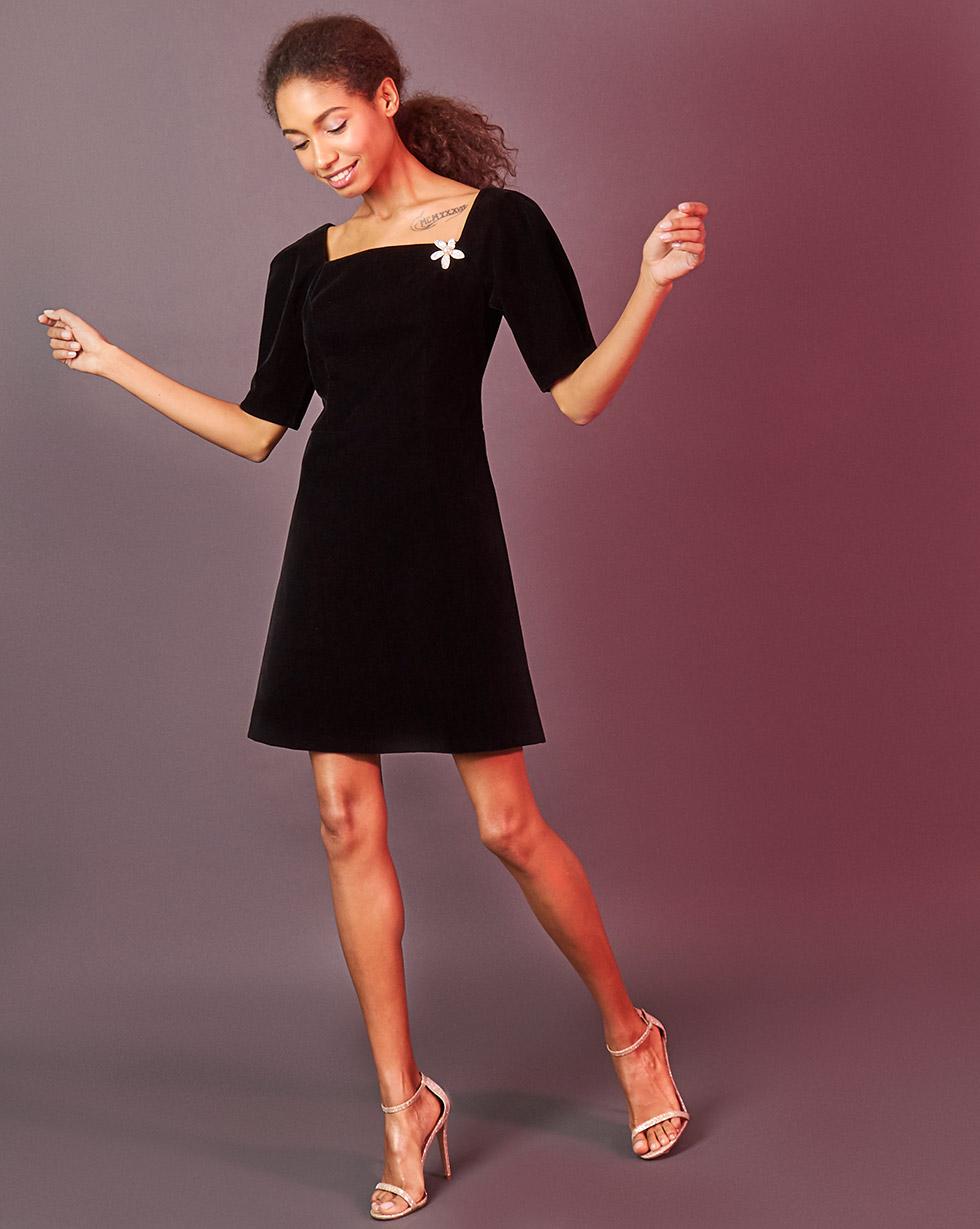 12Storeez Платье с вырезом каре (чёрный) 12storeez 1472016175 новогодняя брошь в подарок