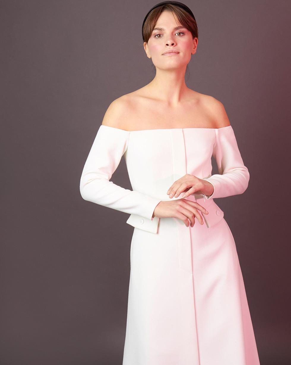 12Storeez Платье приталенное с открытыми плечами (молочный)
