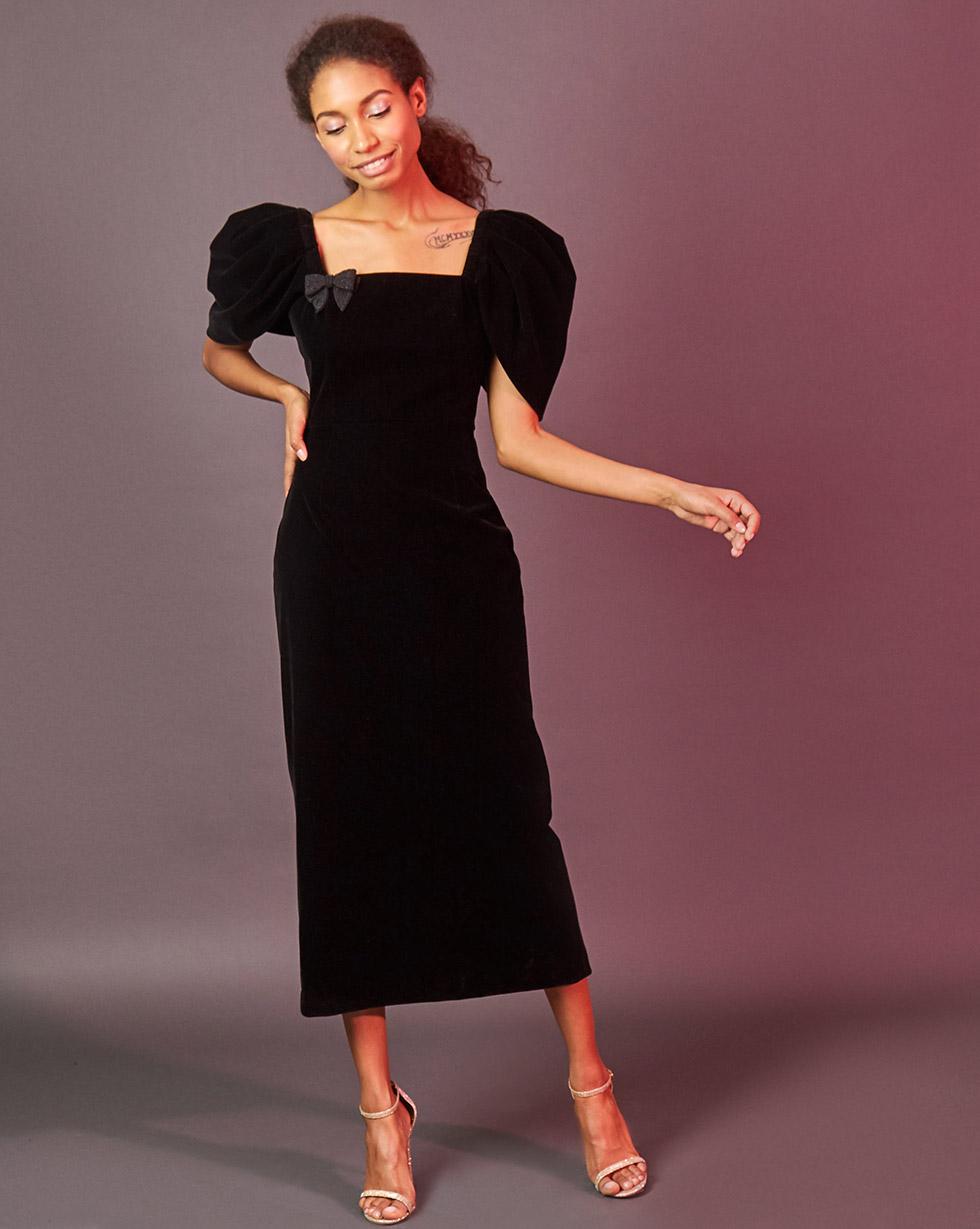 12Storeez Платье миди из бархата с объёмными рукавами (чёрный) 12storeez 1472016175 новогодняя брошь в подарок