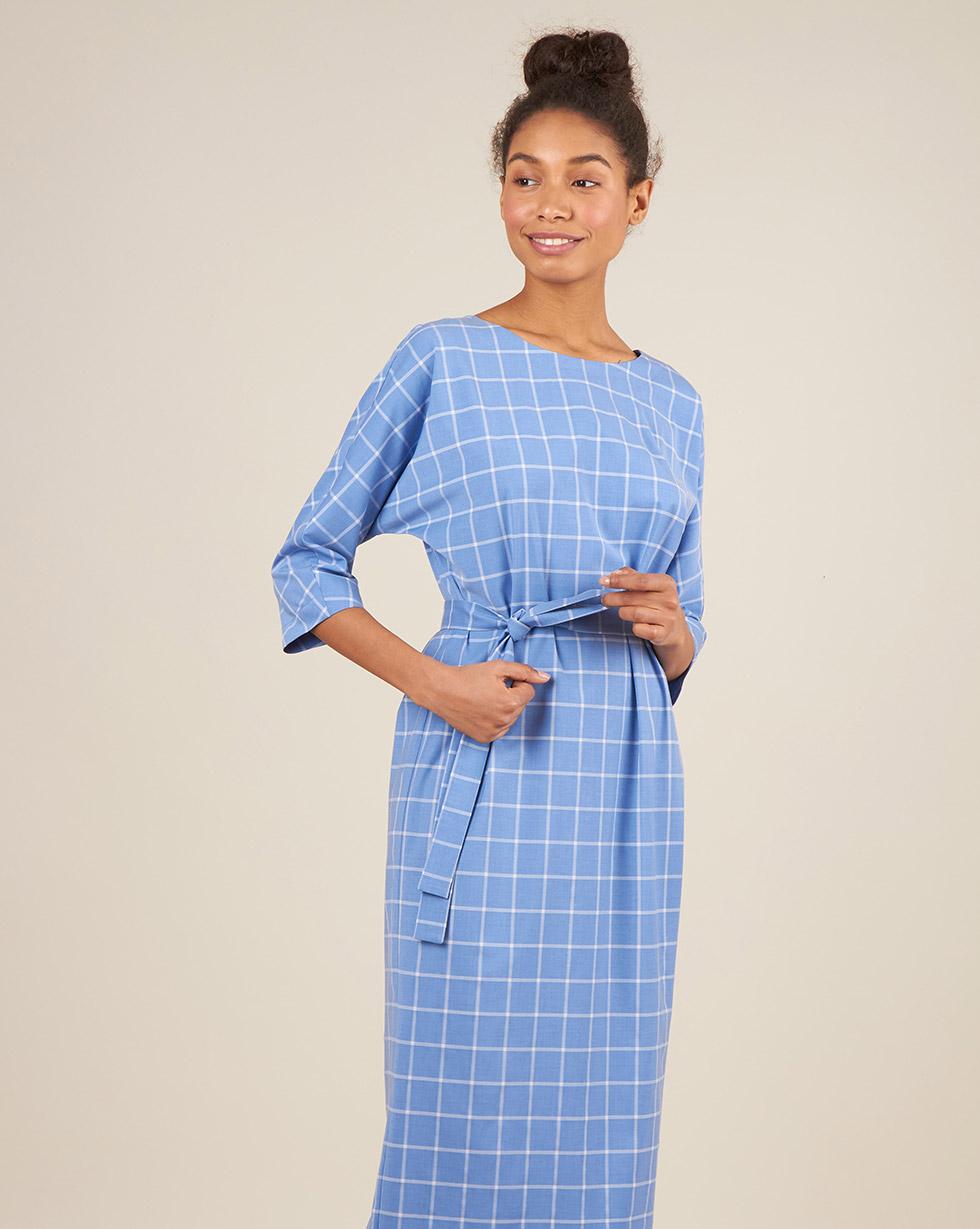 12Storeez Платье миди с вырезом и пуговицами сзади с поясом (голубой в клетку) цена