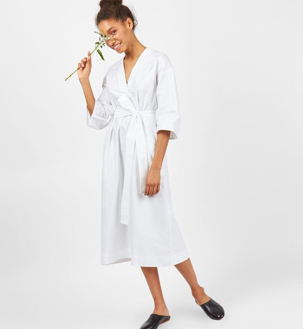 Платье свободного кроя One sizeплатья<br><br><br>Артикул: 8295789<br>Размер: One size<br>Цвет: Белый<br>Новинка: НЕТ<br>Наименование en: Loose cut midi dress